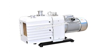 Vacuum pump in continuous oil refining process