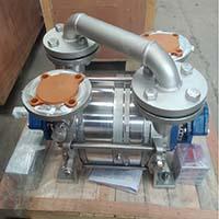 Liquid ring vacuum pump used in milking machine