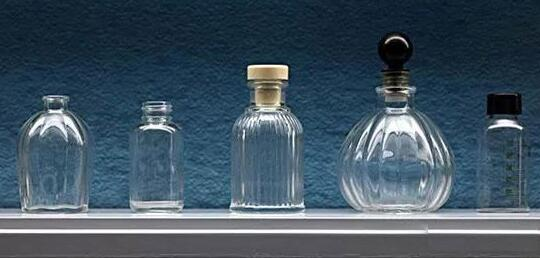 examples of major USES in the glass industry and importance!