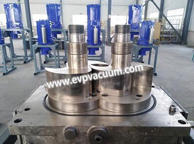 Symmetrical claw single-stage dry vacuum pump